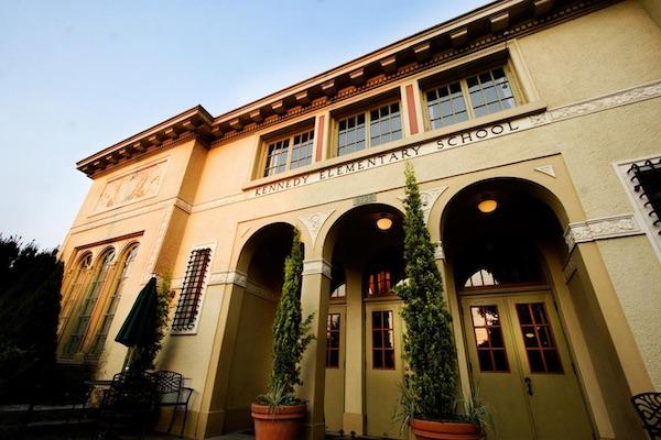 Hotel McMenamins Kennedy School, Portland