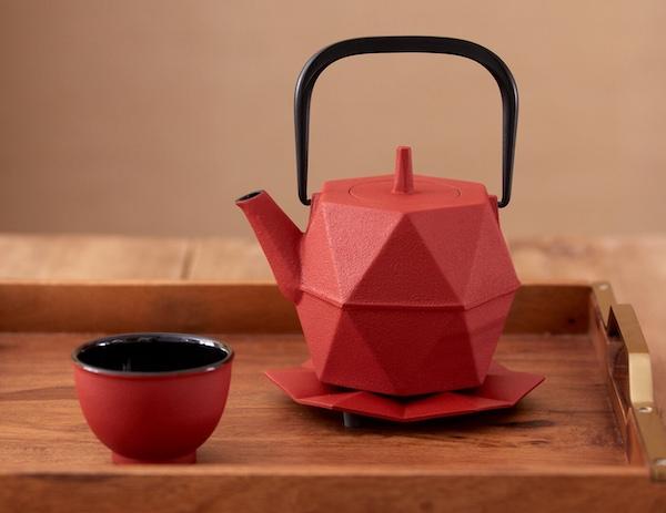 Zakuro Iron Teapot