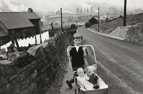 A United Kingdom: Bruce Davidson's Portrait Of 1960s Britain