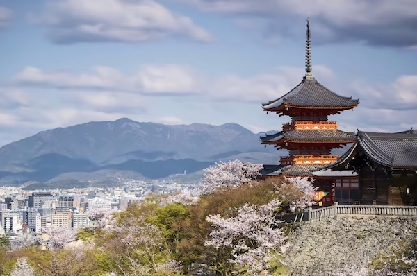 Why US Economists Are Obsessed With 'Japanification'