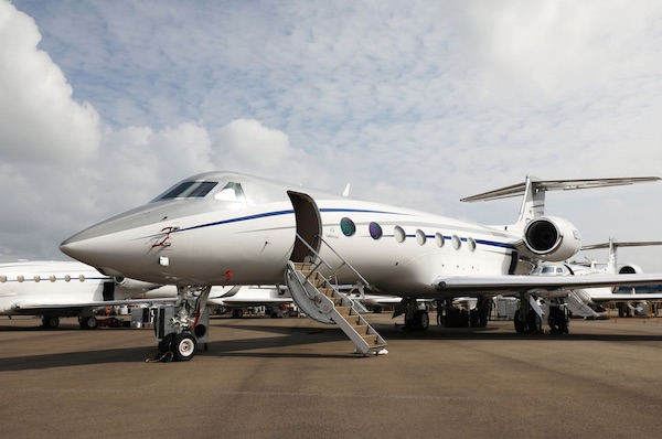 The Super-Rich Are Being Scammed On Their Private Jets