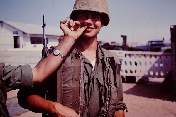 Photos Showing Rare Moments From The Front Lines Of The Vietnam War