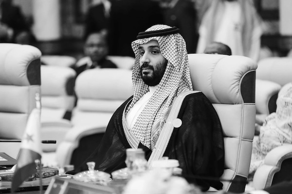 """""""This Plane Is Not Going to Land in Cairo"""": Saudi Prince Sultan Boarded A Flight in Paris. Then, He Disappeared"""